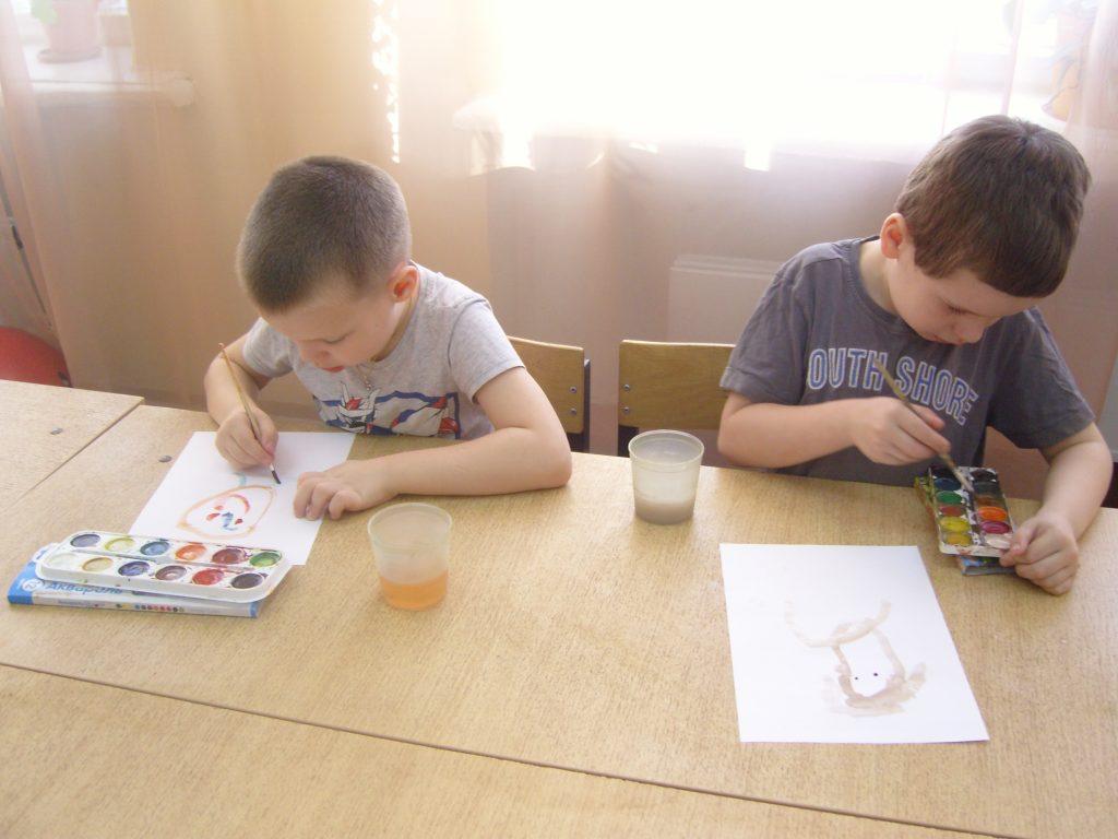 Конкурс детского рисунка к Дню матери