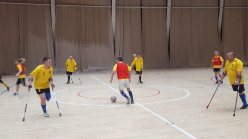 16 декабря состоялся товарищеский матч между ветеранами спорта Кузбасса и командой футболистов-ампутантов футбольно-спортивного клуба инвалидов «Сибиряк»
